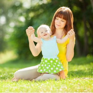 Cho Trẻ Tắm Nắng Hàng Ngày để Trẻ Hấp Thụ Vitamin Tốt Nhất.