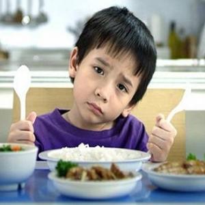 Mẹ Không Nên Cho Trẻ ăn Thức ăn Nêm Gia Vị Như Thức ăn Của Người Lớn.